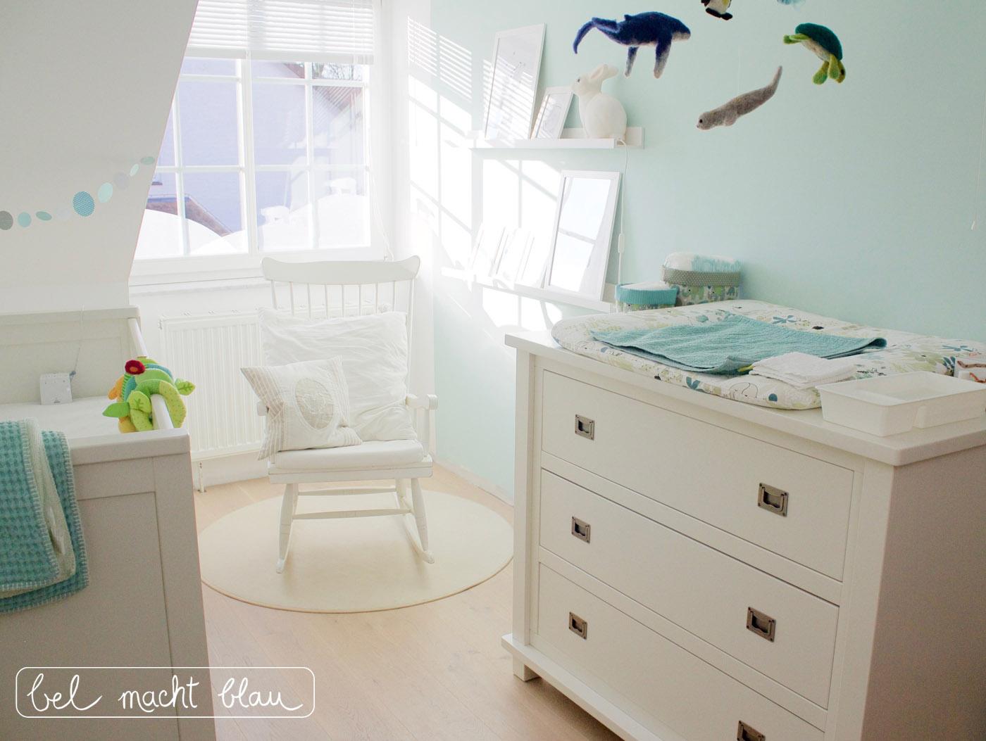Sonniges Babyzimmer in Mint- und Weißtönen - geschlechtsneutral