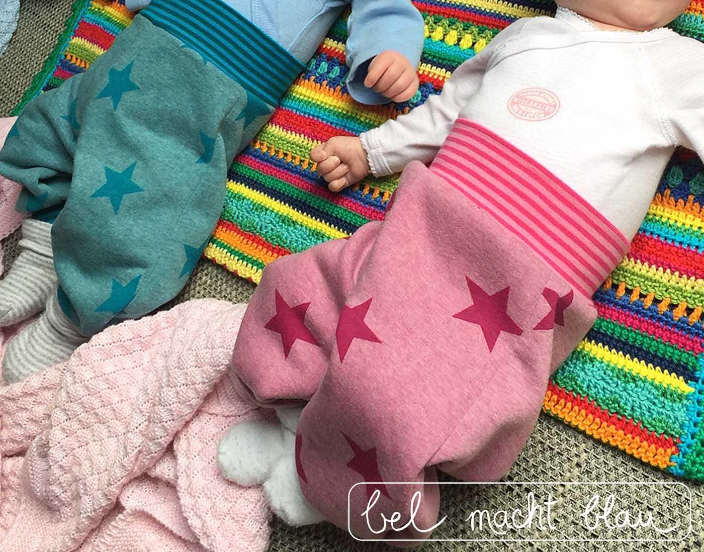 Tragefoto von den kuschligen Zwillingshosen, Schnitt Frida 2.0