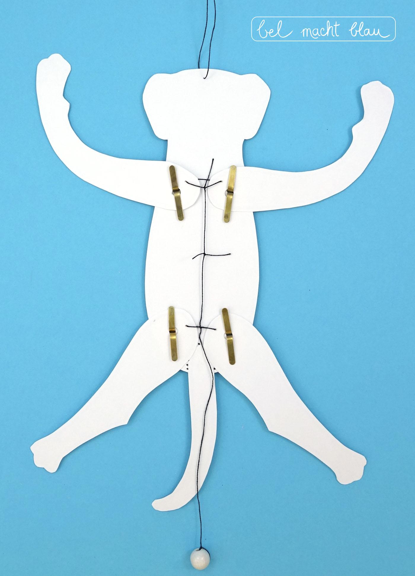 Verknote die Arme und Beine.